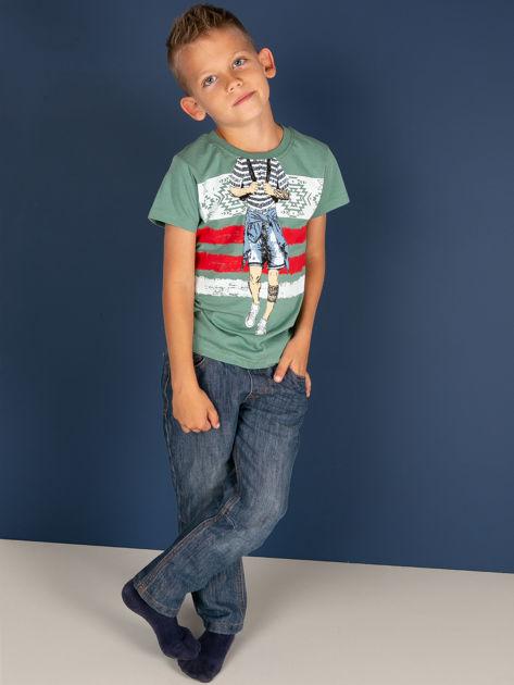 Zielony t-shirt dla chłopca z nadrukiem                              zdj.                              3