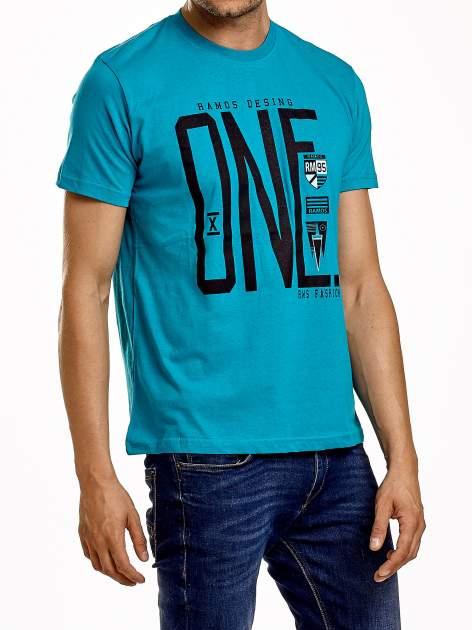 Zielony t-shirt męski z nadrukiem i napisem ONE                                  zdj.                                  4