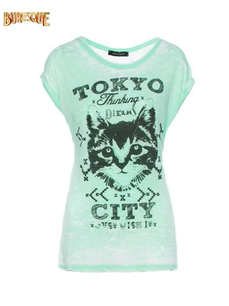 Zielony t-shirt z kotem i napisem TOKYO CITY                                  zdj.                                  1