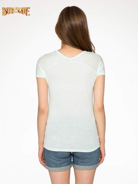 Zielony t-shirt z nadrukiem PARIS                                  zdj.                                  3