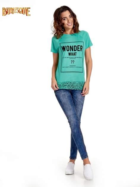 Zielony t-shirt z napisem WONDER WHAT?                                  zdj.                                  7