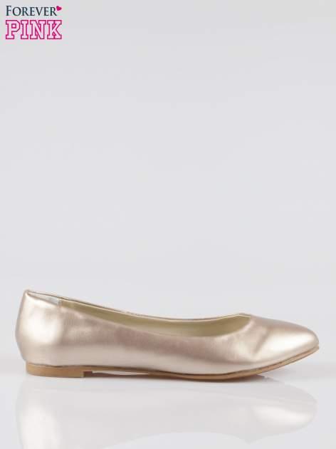 Złote baleriny faux leather Chloe ze smukłym noskiem                                  zdj.                                  1