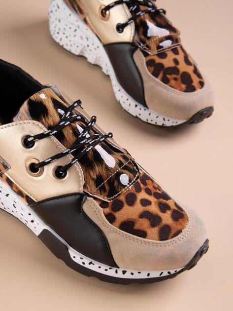 Złote buty sportowe z lakierowaną wstawką w tygrysim printem                              zdj.                              4