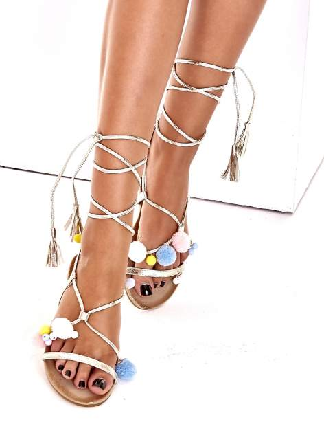 Złote sandały damskie gladiatorki z pomponami                                  zdj.                                  2