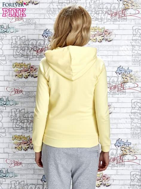 Żółta bluza z kapturem i napisem HONOUR                                  zdj.                                  4