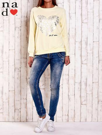 Żółta bluza z nadrukiem serca i napisem JE T'AIME                                   zdj.                                  4