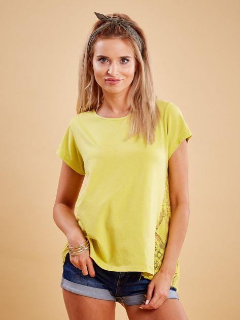 Żółta bluzka z koronkową wstawką na plecach                              zdj.                              1