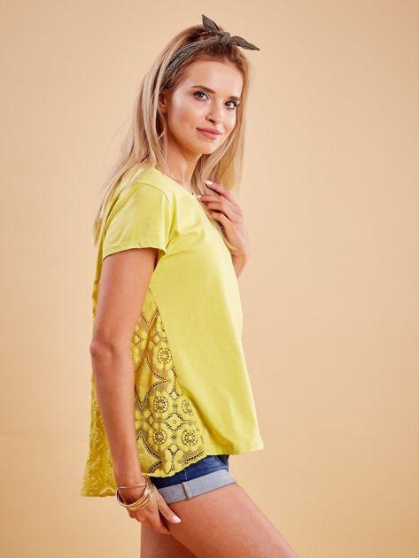 Żółta bluzka z koronkową wstawką na plecach                              zdj.                              3