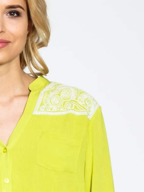 Żółta koszula damska z haftem na ramionach                                  zdj.                                  7