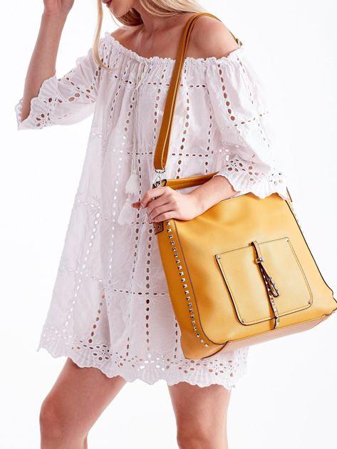 Żółta miękka torba na ramię z ćwiekami                              zdj.                              2