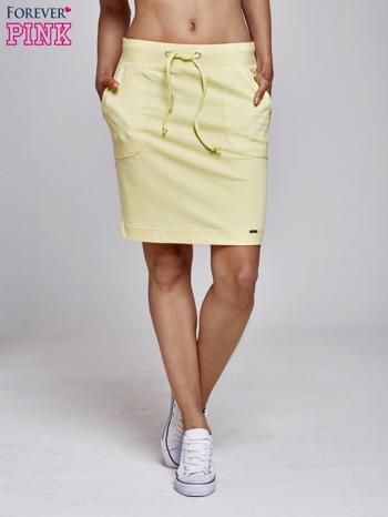 Żółta spódnica dresowa z kieszeniami                                  zdj.                                  2