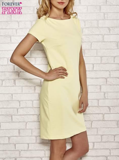 Żółta sukienka dresowa o prostym kroju                                  zdj.                                  3