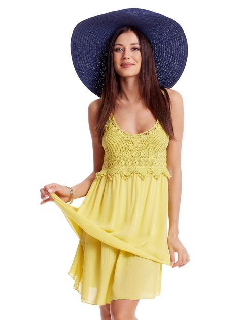 Żółta sukienka na cienkich ramiączkach                              zdj.                              1