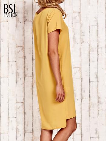Żółta sukienka z dłuższym tyłem                                  zdj.                                  4