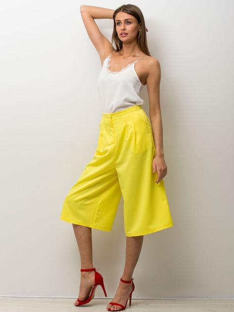 Żółte spodnie typu culottes                              zdj.                              4