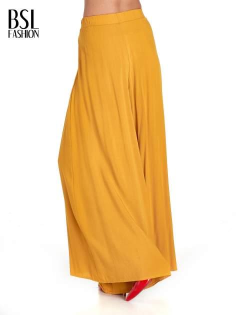 Żółte zwiewne spodnie typu culottes                                  zdj.                                  7