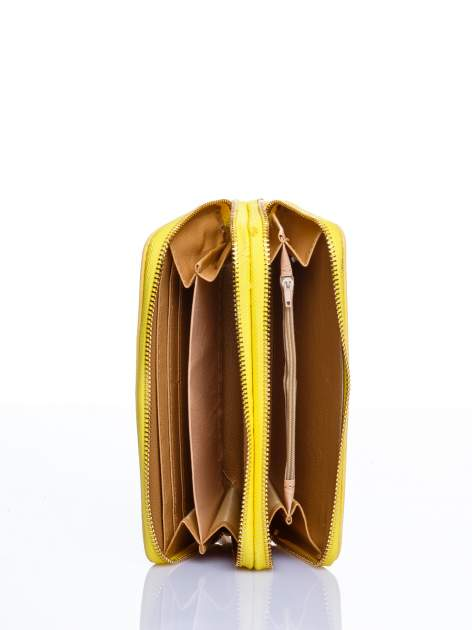 Żółty matowy portfel z rączką                                  zdj.                                  3