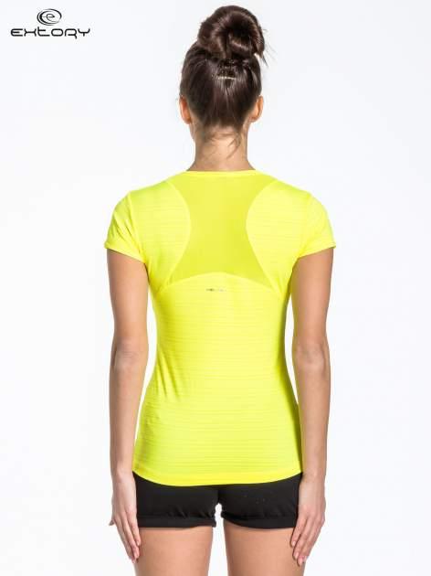 Zółty t-shirt sportowy w paseczki                                  zdj.                                  3