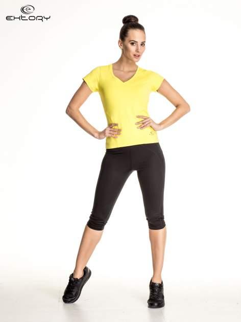 Żółty t-shirt sportowy z dekoltem V-neck PLUS SIZE                                  zdj.                                  4