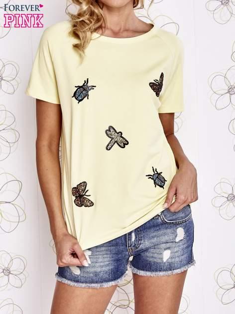 Żółty t-shirt z aplikacją owadów                                   zdj.                                  1