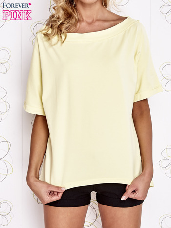 Żółty t-shirt z dekoltem w łódkę                                  zdj.                                  1