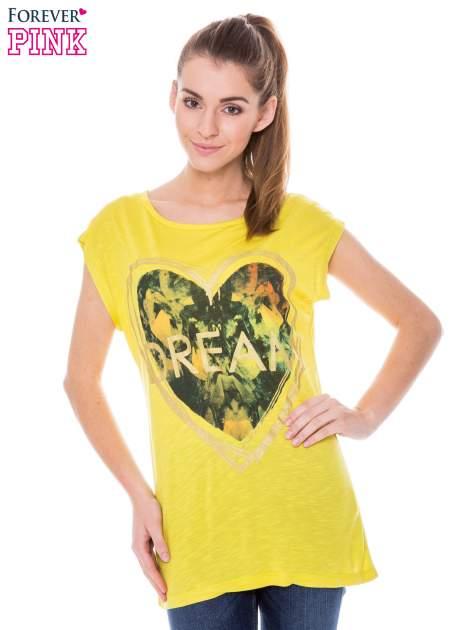 Żółty t-shirt z nadrukiem serca i napisem DREAM