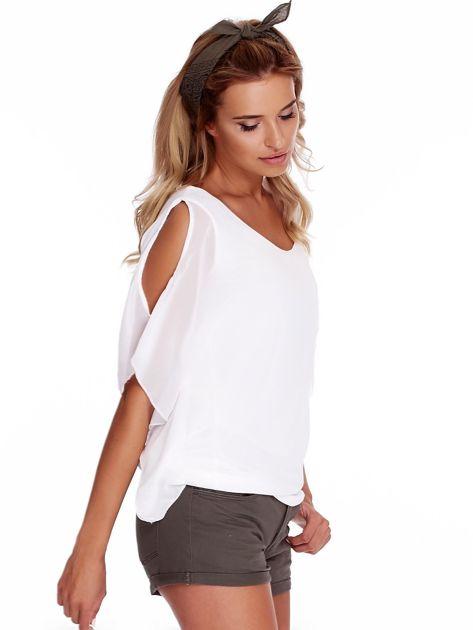 Zwiewna biała bluzka z rozcięciami na rękawach                              zdj.                              3