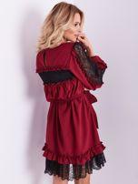 BY O LA LA Bordowa sukienka z koronką i falbankami                                  zdj.                                  2