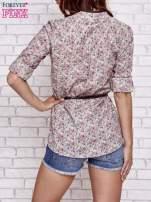 Beżowa koszula w łączkę z podwijanymi rękawami                                  zdj.                                  5