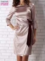 Beżowa sukienka z bordową kokardą                                   zdj.                                  4
