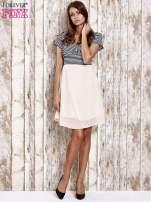 Beżowa sukienka z marszczonym dekoltem w paski