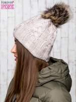 Beżowa wełniana czapka z pomponem
