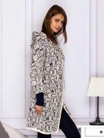 Beżowy sweter w fantazyjny deseń                                   zdj.                                  5