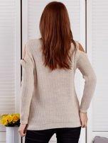 Beżowy sweter z dziurami                                  zdj.                                  2