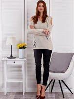 Beżowy sweter z dziurami                                  zdj.                                  4