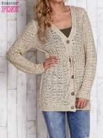 Beżowy sweter zapinany na guziki                                  zdj.                                  1