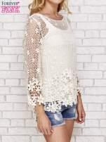 Beżowy szydełkowy sweterek z rozszerzanymi rękawami                                                                          zdj.                                                                         3