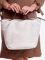 Biała ażurowa torba z plecioną kieszonką                                  zdj.                                  4