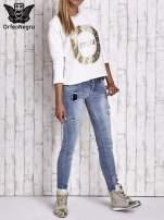 Biała bluza w stylu glamour ze złotym nadrukiem i lamówką                                                                          zdj.                                                                         8
