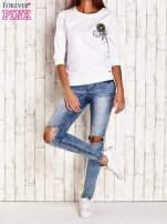 Biała bluza z naszywkami i ściągaczami                                  zdj.                                  4