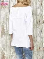 Biała bluza ze złotym napisem i suwakiem                                  zdj.                                  3