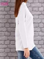 Biała bluzka z koralikową aplikacją                                  zdj.                                  3