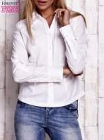 Biała koszula z podwijanymi rękawami                                  zdj.                                  1