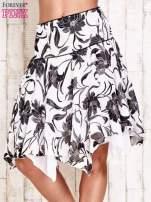 Biała spódnica w kwiaty z karczkiem                                                                          zdj.                                                                         1