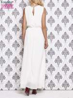 Biała sukienka maxi z biżuteryjnym dekoltem                                  zdj.                                  4