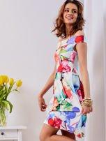 Biała sukienka w kolorowe kwiaty                                  zdj.                                  13