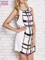 Biała sukienka w kratę ze wstawką z koronki                                  zdj.                                  3