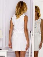 Biała sukienka z troczkami                                  zdj.                                  2