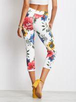 Biało-niebieskie spodnie Roses                                  zdj.                                  2