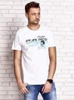 Biały t-shirt męski z nadrukiem napisów i cyfrą 9                                  zdj.                                  1
